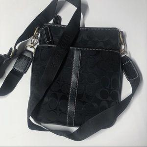 26d567b8a736 Coach Bags - Auth. Coach Black Messenger Bag w Thick Strap